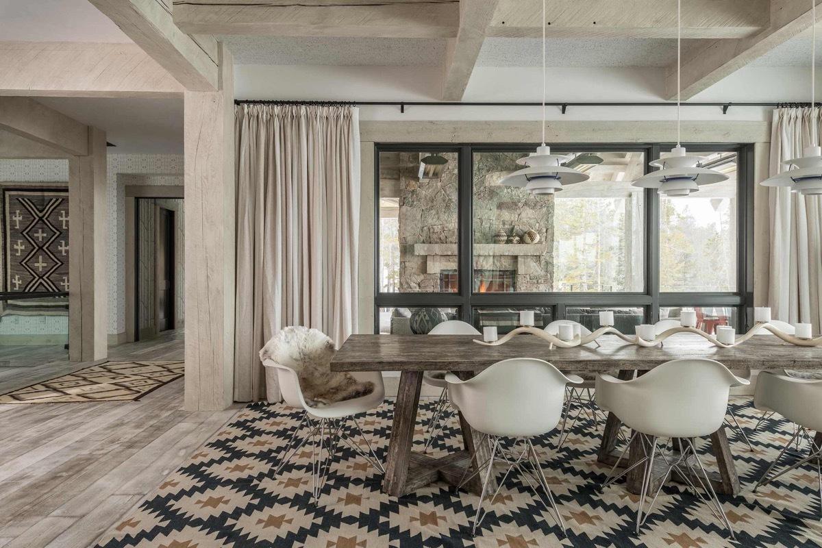 Modern étkező Eames székekkel