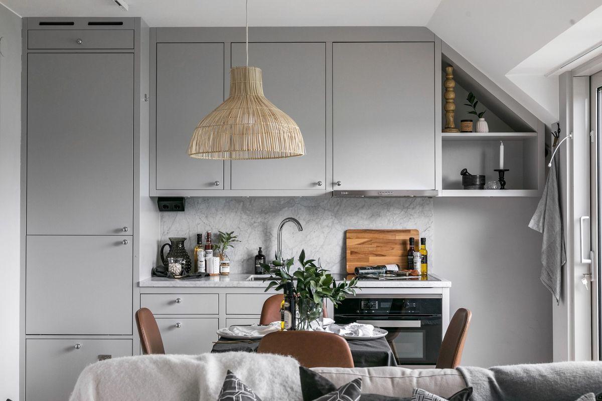 Minigarzon világosszürke konyhája