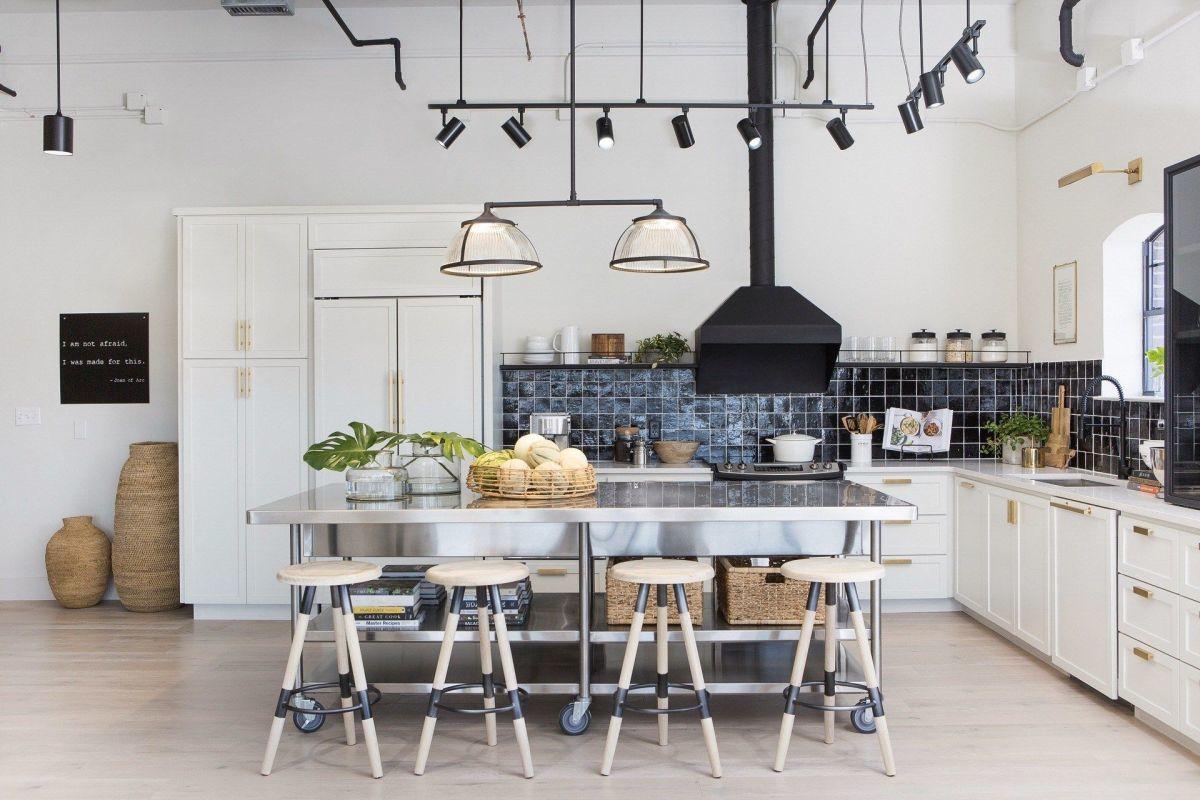 Kifinomult ipari stílusú konyhaberendezés