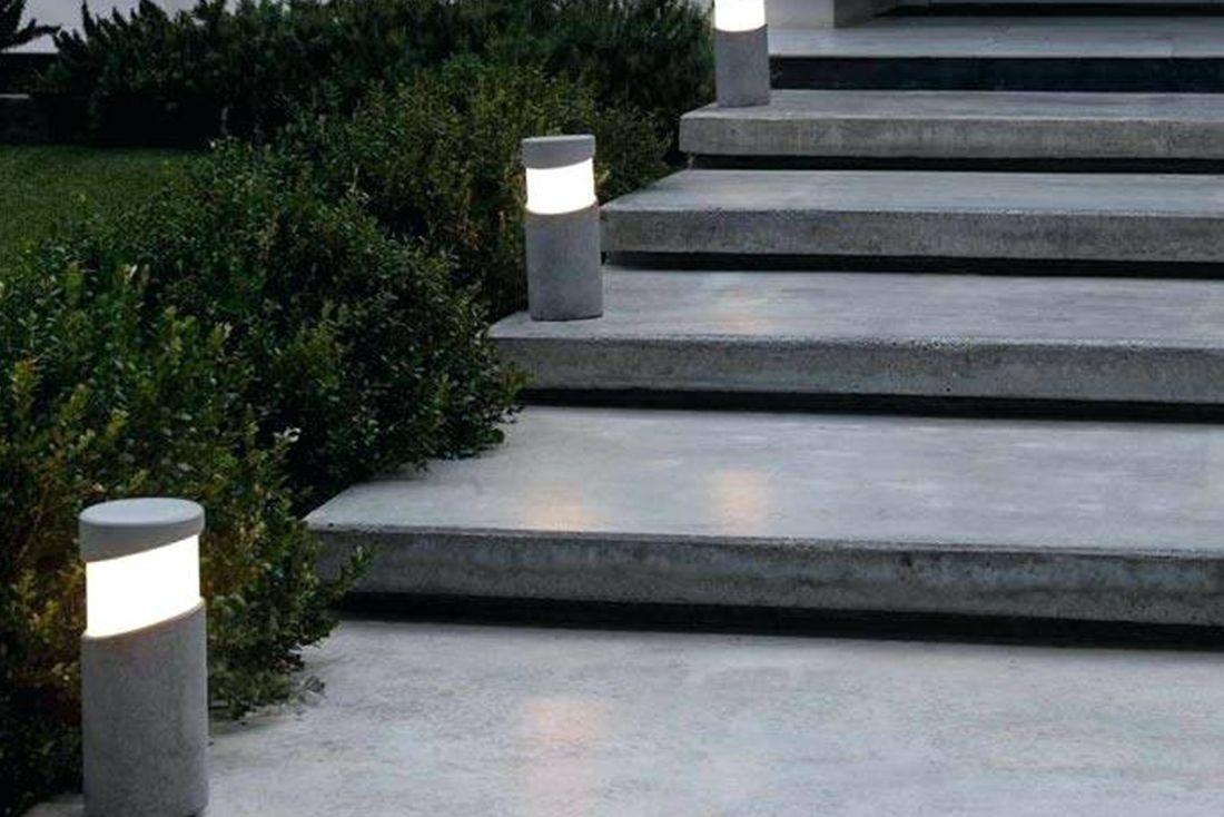 FARO - BLOCK: A beton szerelmeseinek való mini kandeláber két méretben, nemes egyszerű vonalvezetéssel