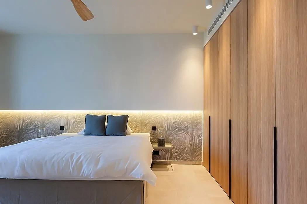 Gardróbszekrényekkel kombinált hálószoba