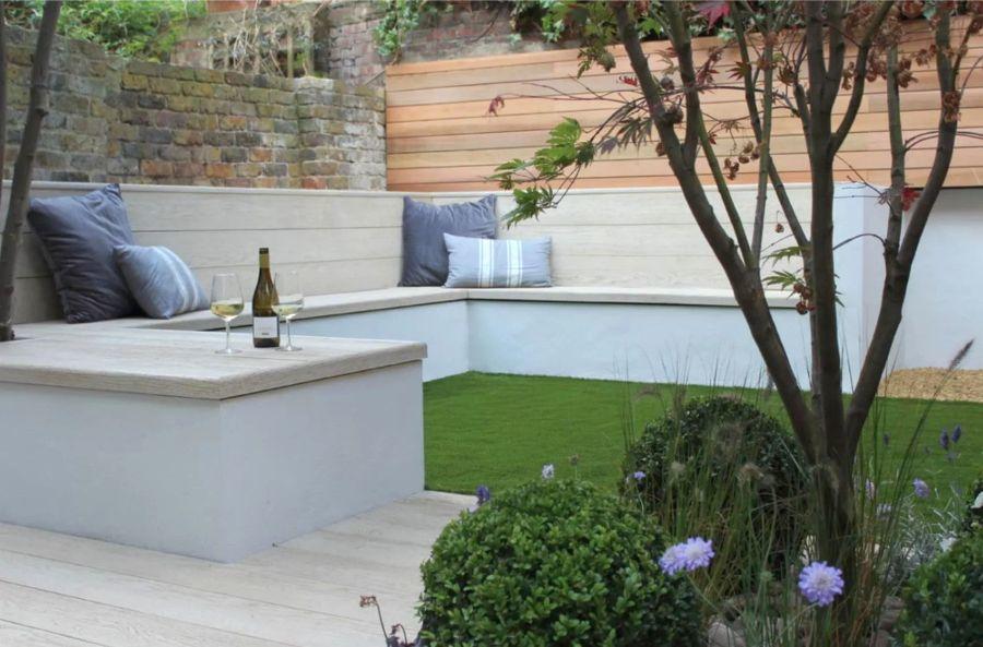 Modern kis kerti pihenősarok