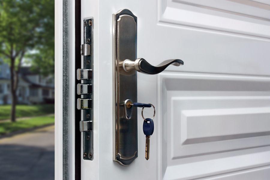 Bejárati ajtó védelme, betörésvédelem