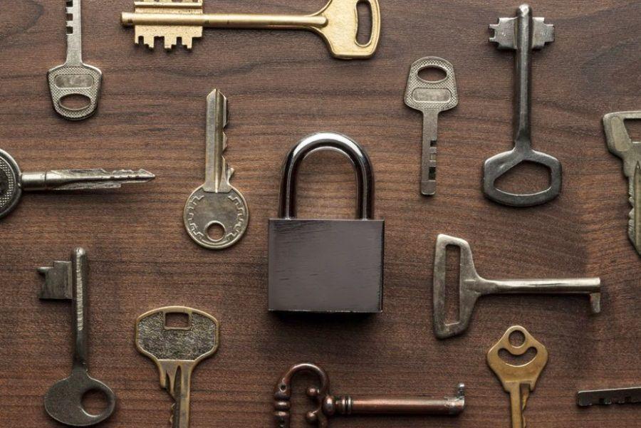 Kulcsok és lakatok