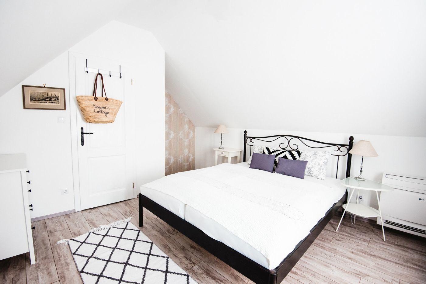 Hálószoba az emeleten - Noemi's Cottage Balatongyörök