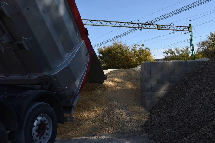 Sóder, cement Békás Épker