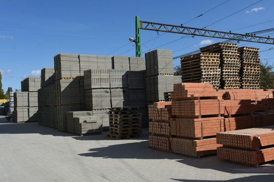 Békás Logistic építőanyagkereskedés és szállítás