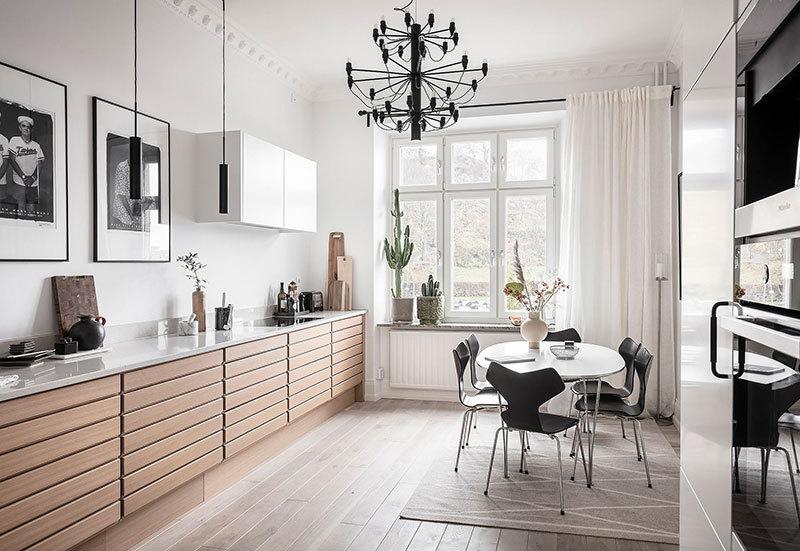 Fekete csillár a konyhában