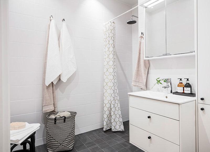 Egyszerű svéd fürdőszoba