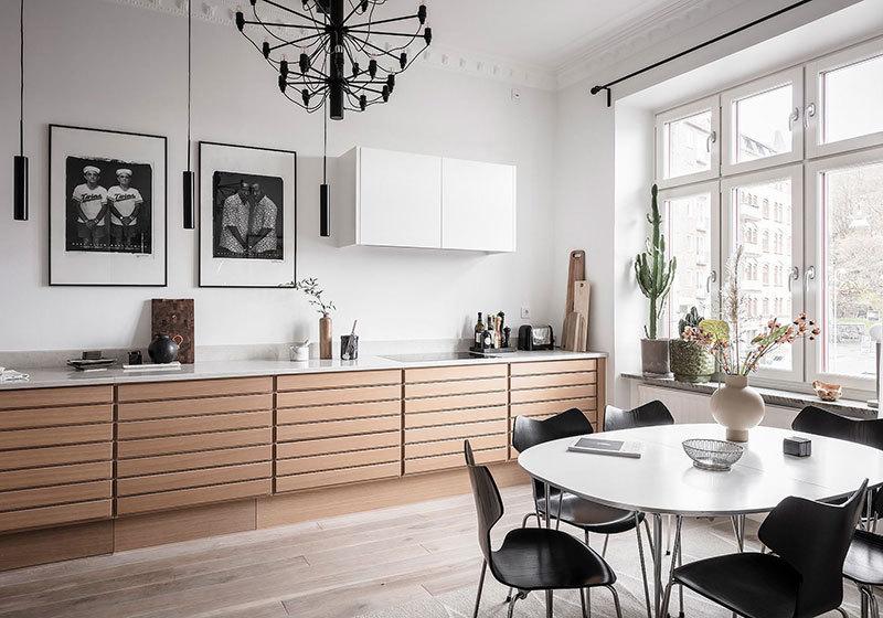 Tölgyfa színű konyha hosszú alsó szekrénnyel
