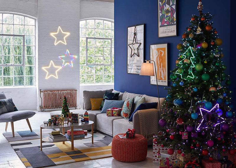 Színes karácsonyfa