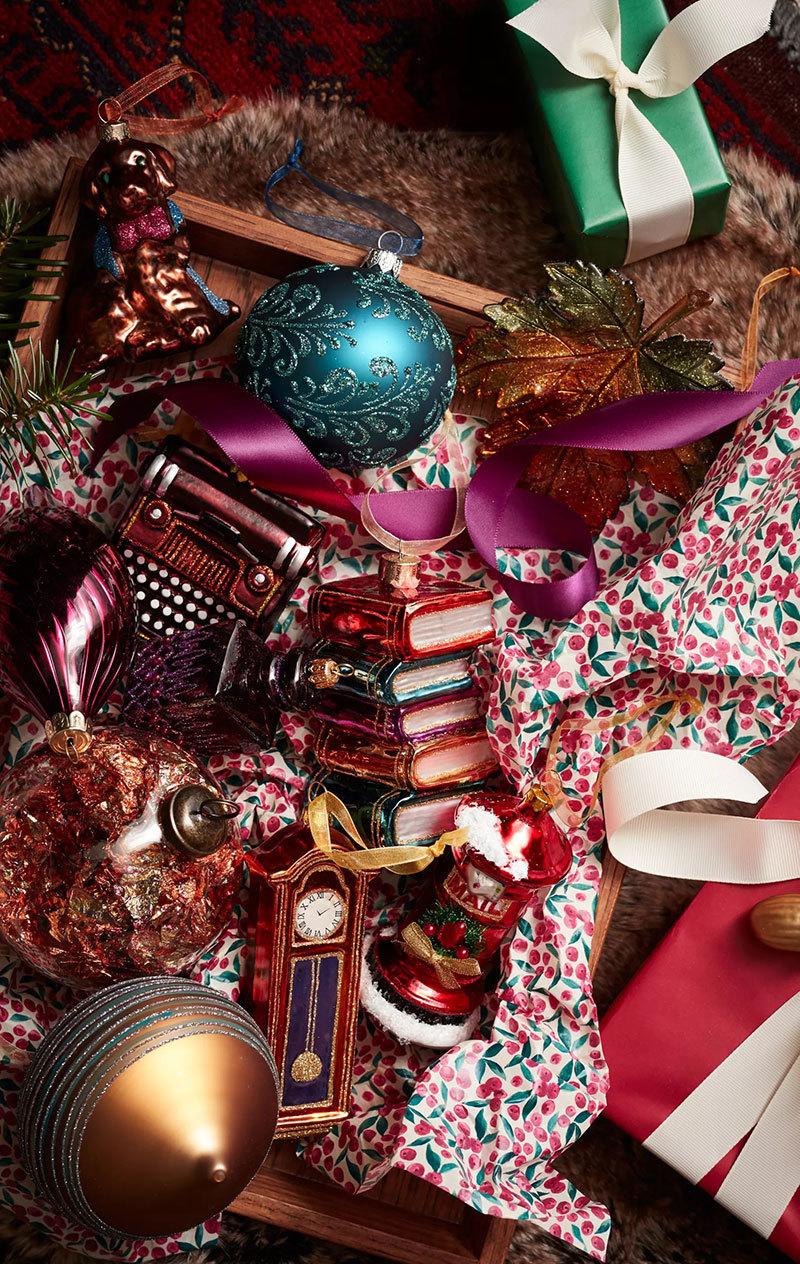 Csomagolópapír és karácsomyfadísz
