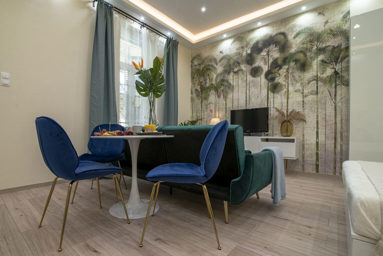 Helytakarékos könnyen mozgatható kerek étkezőasztal