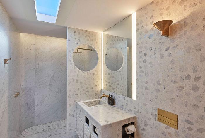 Caon Studio egyedi terrazzo mintás fürdőszoba