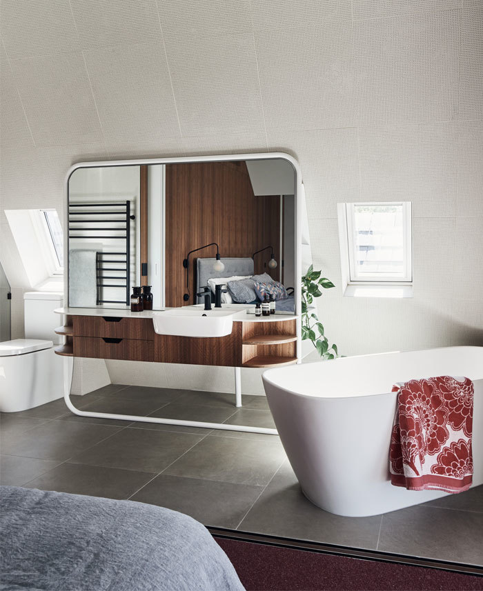 Fürdőszobai szekrény mozgatható