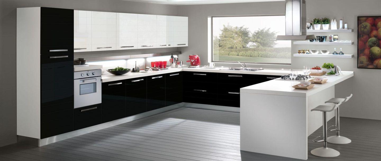 Klasszikus fekete-fehér konyhabútor kombináció