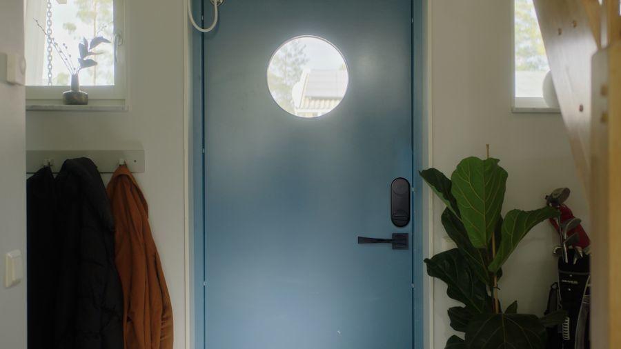 Okos zár ajtón