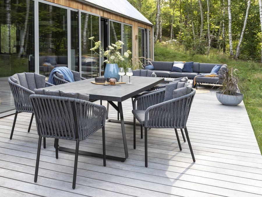Szürke fonott kerti székek