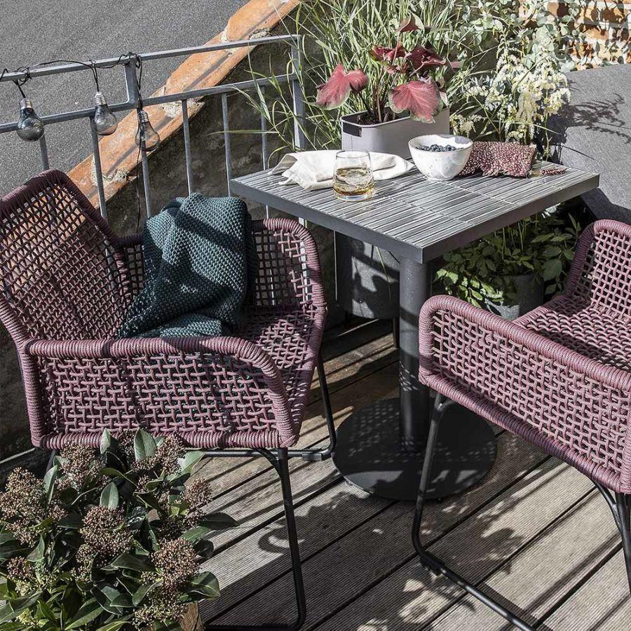 Levendula színű kerti szék