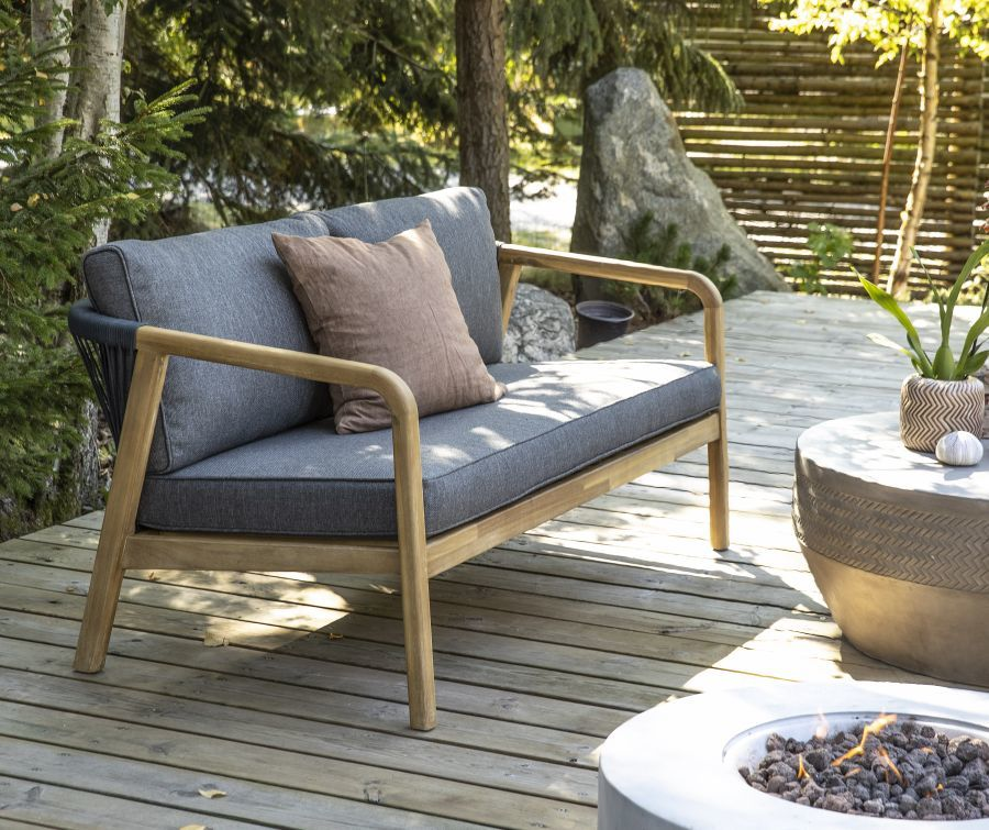Kerti kanapé fa karfával