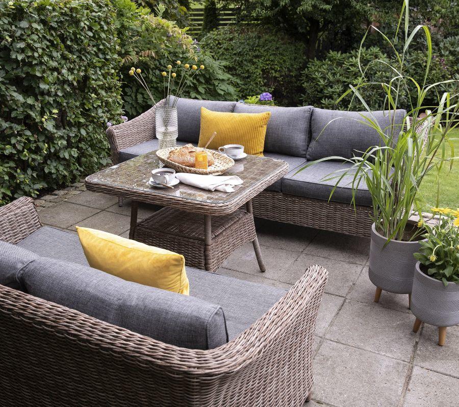 Fonott kerti szék és garnitúra