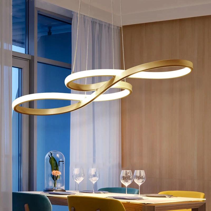 Pendant arany színű lámpa étkezőbe