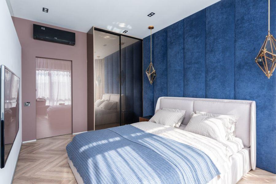 Modern hálószoba falpanelekkel