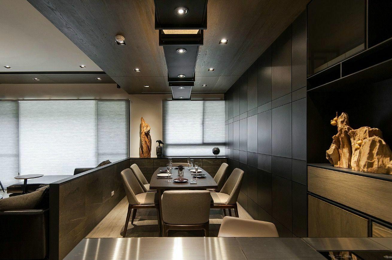Stílusos étkezőasztal, ahol az ételek remek megvilágítást kapnak
