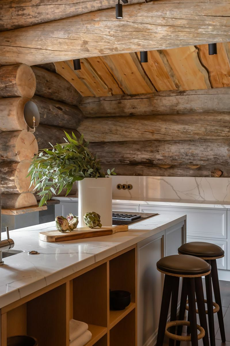 Modern konyha rönkházban