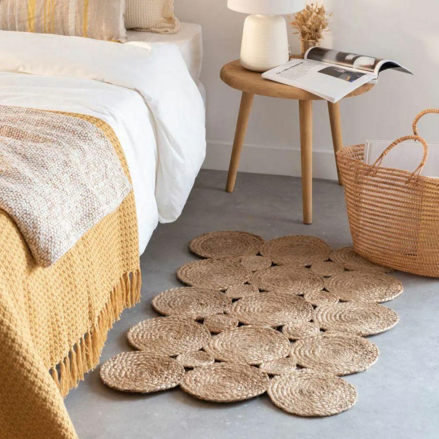 Fonott szőnyeg hálószobába