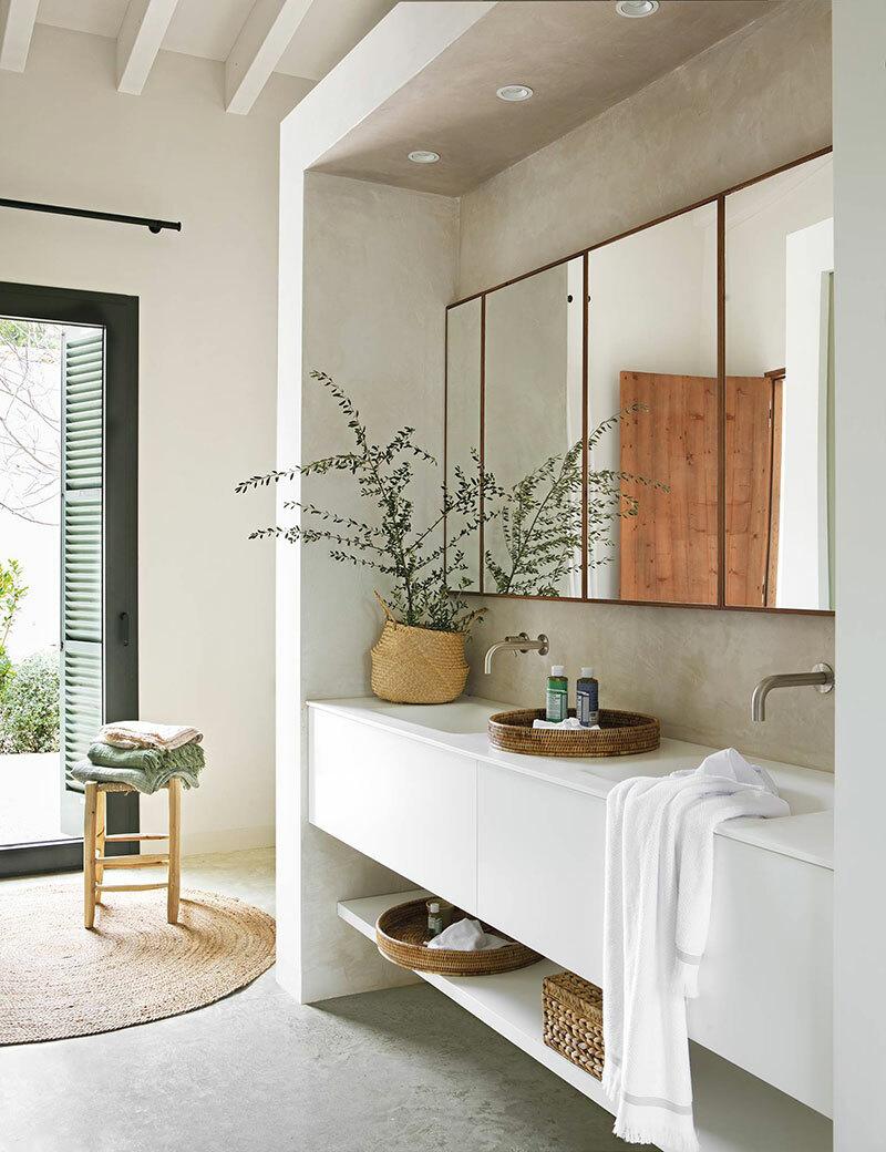 Modern pengefalba épített fürdőszoba bútor és mosdó