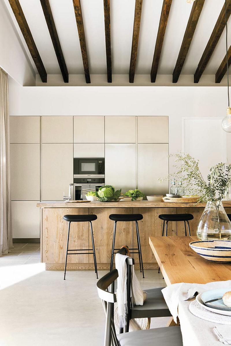 Minimál konyha mediterrán házban