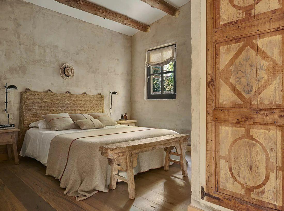 Hálószoba natúr zsákvászon textilekkel