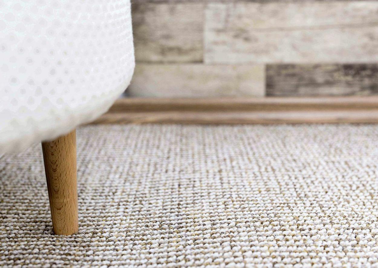 A világos színek tágítják a tereket padlószőnyeg esetén is