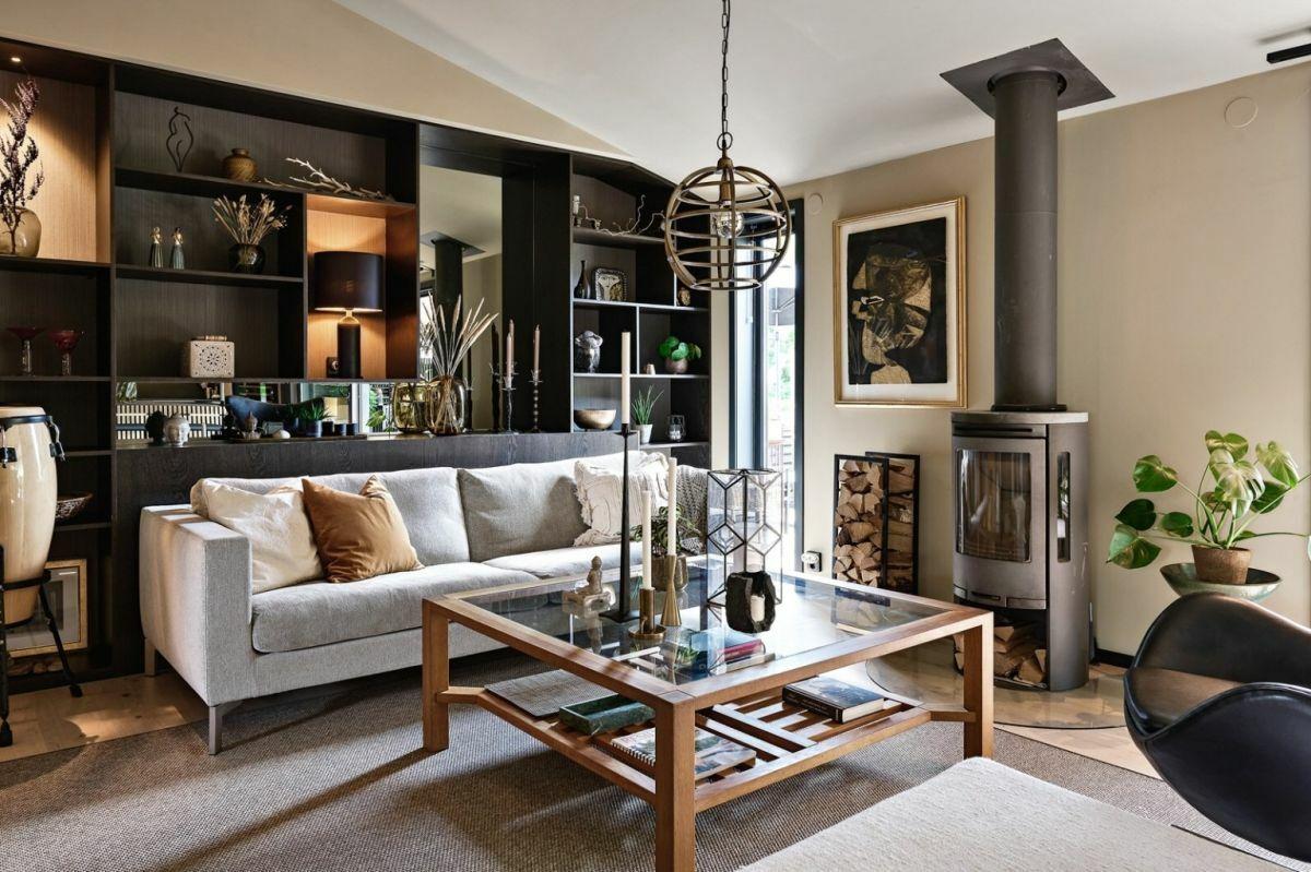 Egyedi nappali szekrény, ami faltól-falig tart