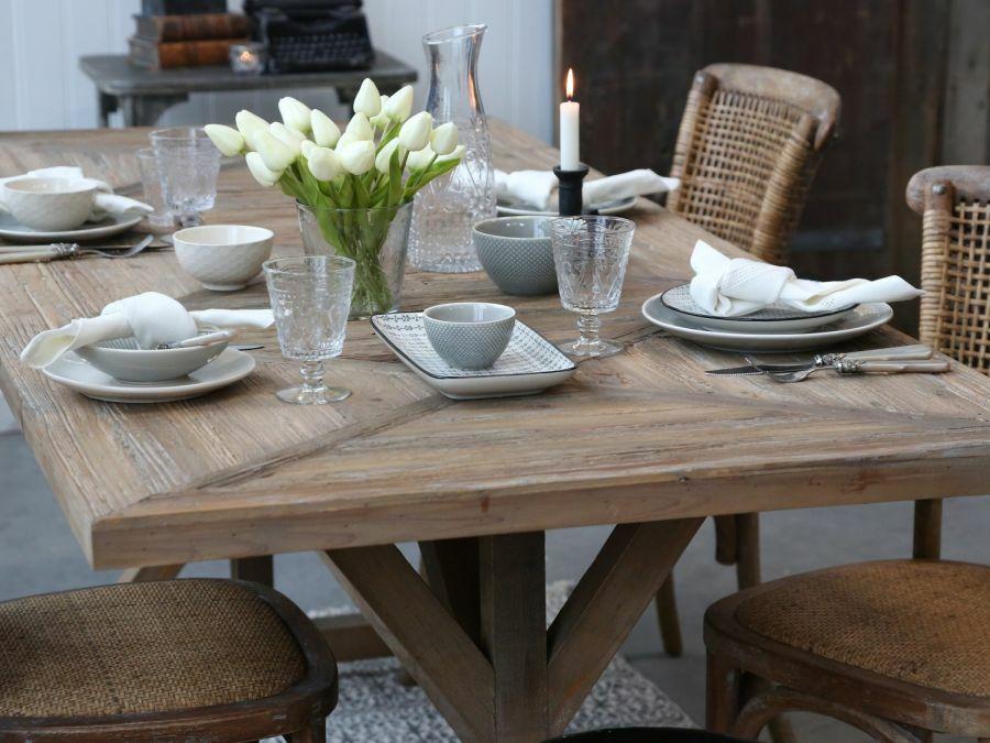 Tömörfa étkezőasztal farmház stílus